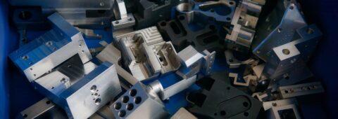 CNC obrábění, soustružení, frézování